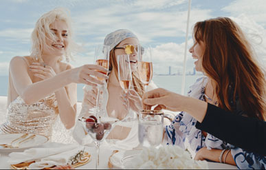 SYDNEY VIRAL -MYKOLOR 2018 CAMPAIGN: IT'S A YACHT LIFE: SPECIAL EDITION